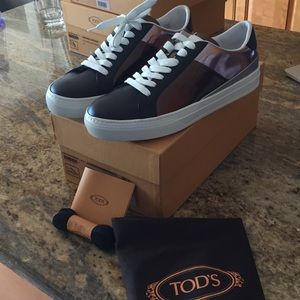 NWT Tod's bronze/black/silver sneakers so 39.5